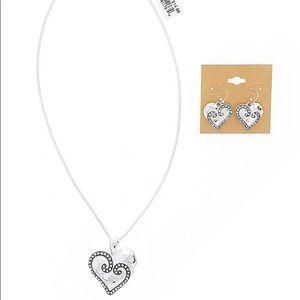 Jubilee silver toned pendant with earrings